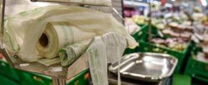 Consiglio di Stato Nuovi sacchetti biodegradabili per gli alimenti a pagamento nei supermercati.