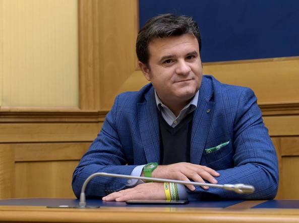 Il Ministro Centinaio: «Voglio verificare le stelle assegnate agli alberghi»
