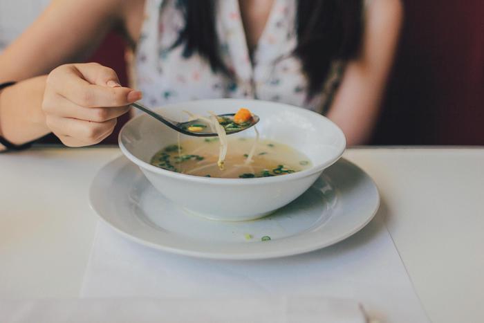 Rischio listeria nel minestrone surgelato: si allarga il ritiro di lotti in Europa