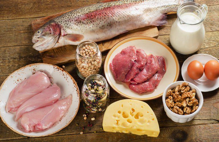 """Dieta chetogenica e iperproteica: attenzione al """"fai da te""""! Perché non sono regimi alimentari adatti a tutti? Lo spiega l'Istituto superiore di sanità"""