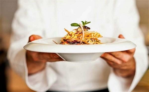 Record italiani al ristorante nel 2018, spesi 85 miliardi