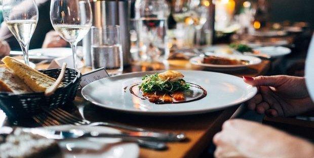 Nessun aumento Iva per bar, ristoranti o alberghi